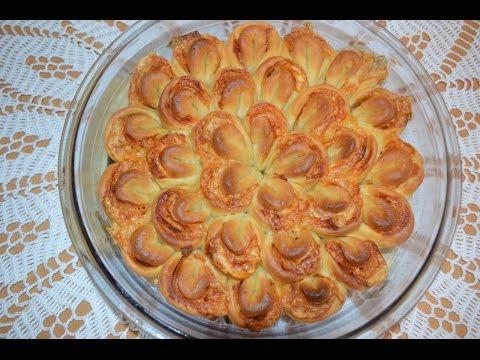Пирог хризантема с красной рыбой  (Lachs).