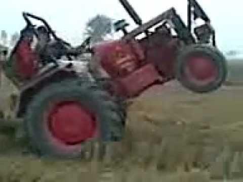 Tractor Stunt Lakh Shamli Mf Up.flv.flv video