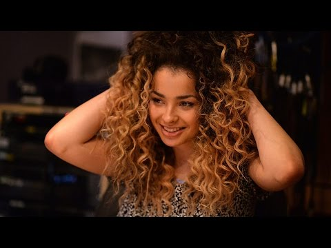 Ella Eyre covers Justin Timberlake for Radio 1
