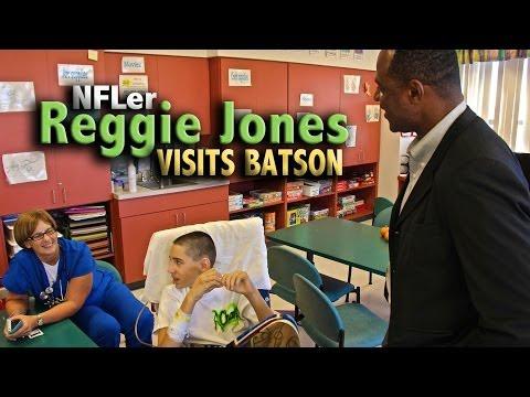 Former Saints Player Reggie Jones Visits Batson Kids, Donates Books
