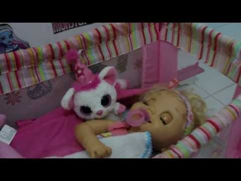 CUIDANDO DA CHARLIE BABY ALIVE TRONINHO - Julia Silva