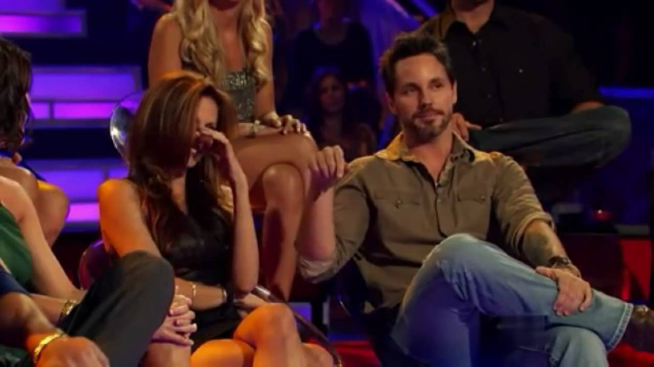 Who is gia from the bachelor pad dating