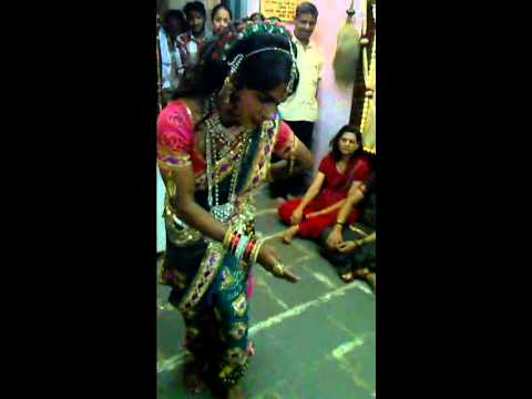 Lavani Dance-by Vidya- At Dr. Nyanesh House(rohit-9833034486)1.mp4 video
