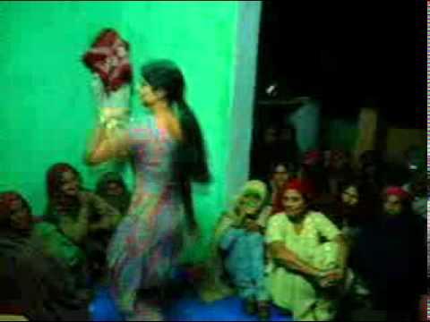 Desi Ladki Dance By Ramveer Dangash Bajaheda(nagar) video