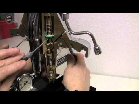 Internals of an E61 Brew Head