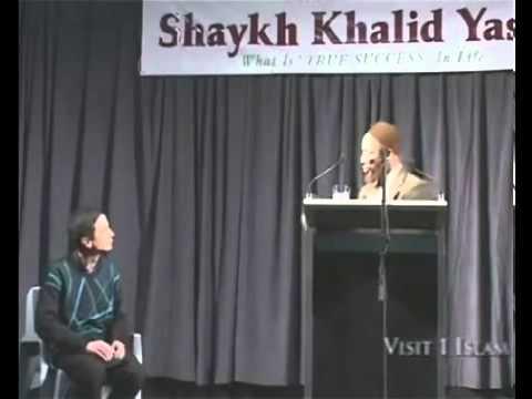 Christian Priest Interrupts Khalid Yasin. video
