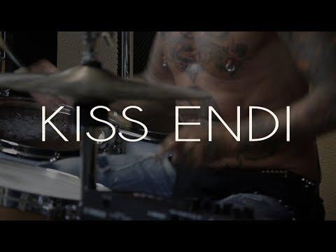 AGARAMI bemutatja   Kiss Endi