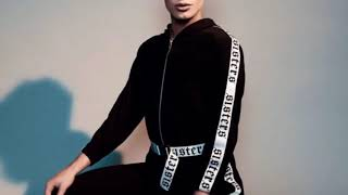 '7 rings' but it's James Charles