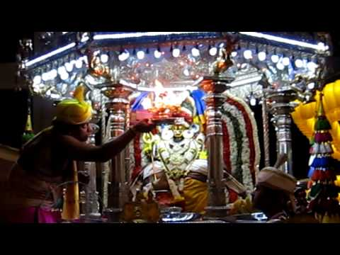 Sri Queensway Muneeswaran Temple Chariot  Sri Mariamman Temple. video