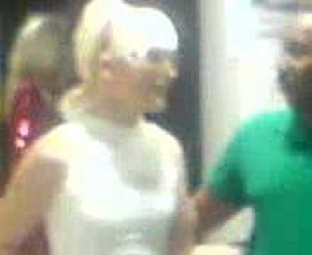 The Shogun With Paris Hilton (mov00009.3gp) For June 19, 2007, 05:39 Pm video