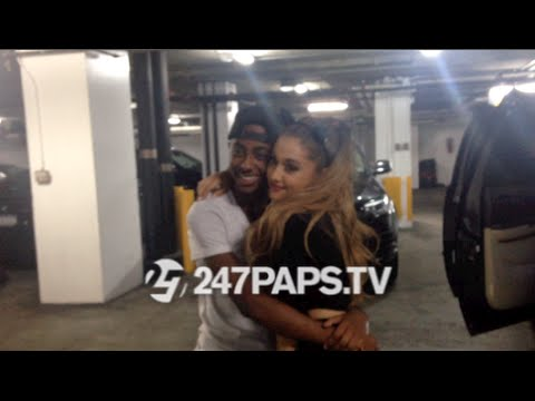 (BrandNew) (SuperExclusive) Ariana Grande sings Happy Birthday To Cheetah Boy in NYC 08-2714