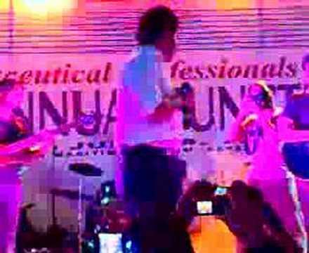 Fakhir Performing Live - Dil Ruba