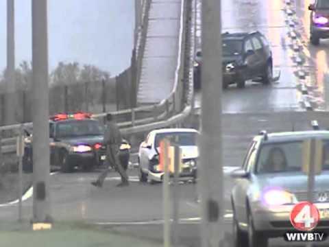 Массовая авария на мосту. ДТП с участием полиции