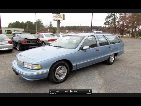 1993 Chevrolet Caprice Classic Wagon Start Up. Exhaust. and In Depth Tour