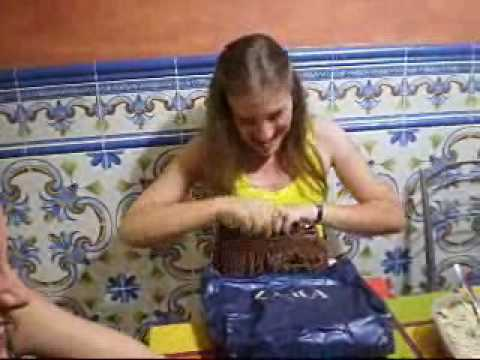 La Rubia abre los regalos de sus niñas!19 años