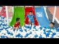 Đồ Chơi Trẻ Em Bé Pin Chơi Cầu Trượt Nhà Banh❤ PinPin TV ❤