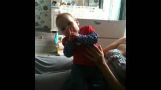 Baby Isobel klap eens in je handjes
