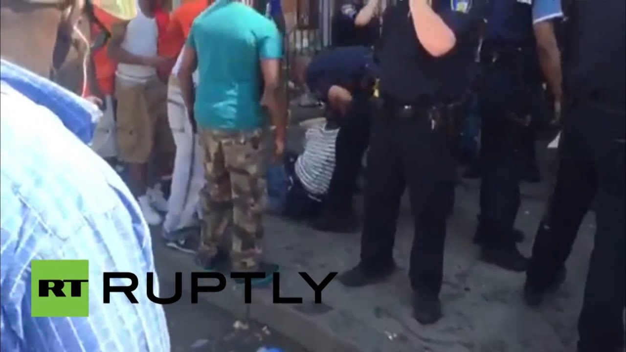 RAW: Baltimore crowds react after gunshot at scene of protests