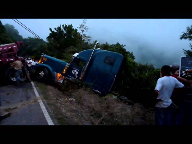 Acidente de mula , camino Volcan - Rio Sereno  2.12.2012