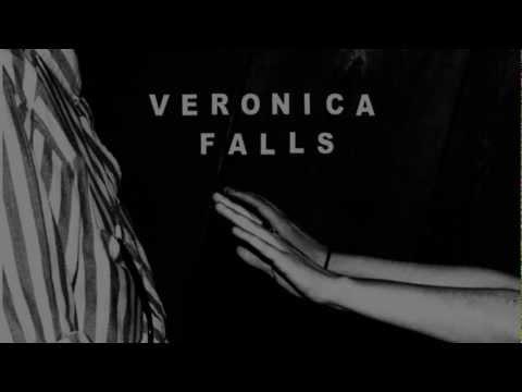 Veronica Falls - Teenage with lyrics