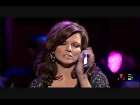 Kelly Clarkson - Does He Love You