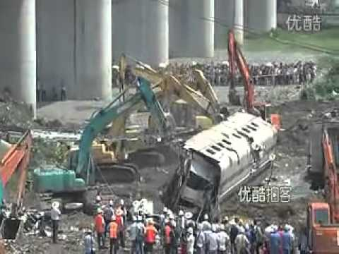 浙江脱轨事后处理视频 After the derailment in Zhejiang
