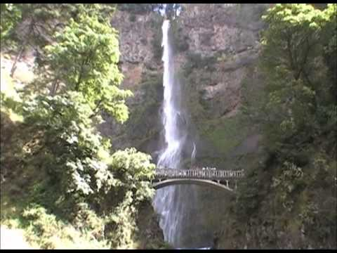 Spectacular Multnomah Falls - near Portland, Oregon
