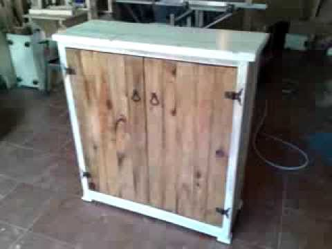 Mueble hecho de palets youtube for Bar portatil madera