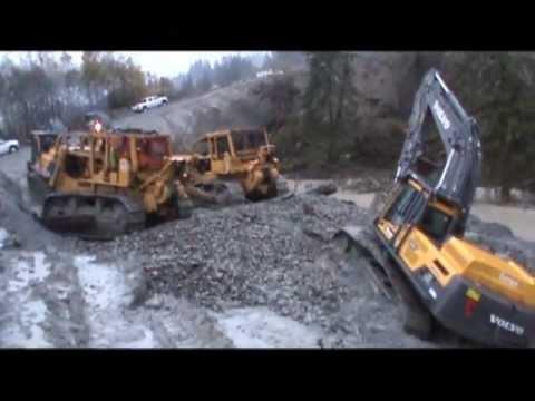 Quiring Towing- Volvo EC380D Excavator Stuck pt.1