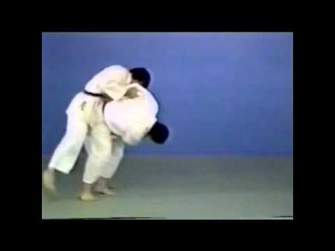 Judo - Tsuri-goshi Image 1