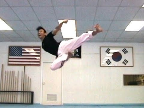 Taekwondo Kicking Techniques Sampler (taekwonwoo)