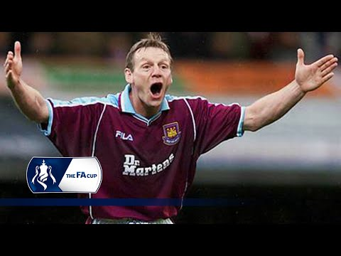 Stuart Pearce smashes in free-kick for Hammers | From The Archive