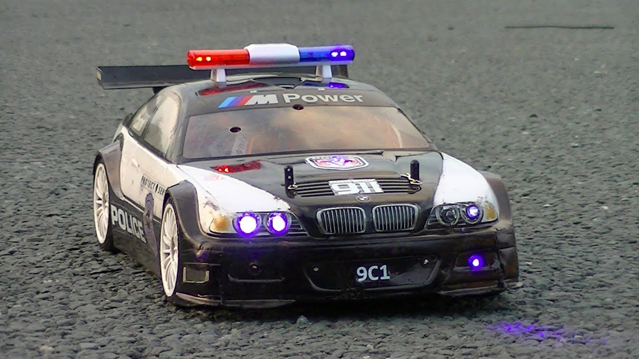 how to put sirenes on police car