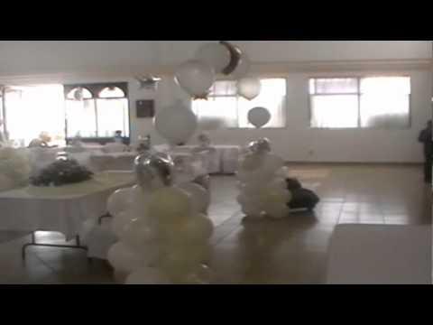 Como adornar una boda youtube for Boda en jardin de noche como vestir