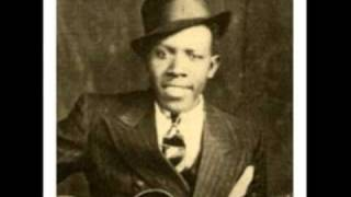 Watch Robert Johnson Im A Steady Rollin Man video