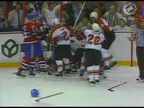 Chris Chelios vs Ron Hextall May 11, 1989 Video