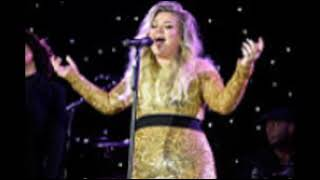 download lagu Kelly Clarkson Performs Songs From Her New Album 'meaning gratis
