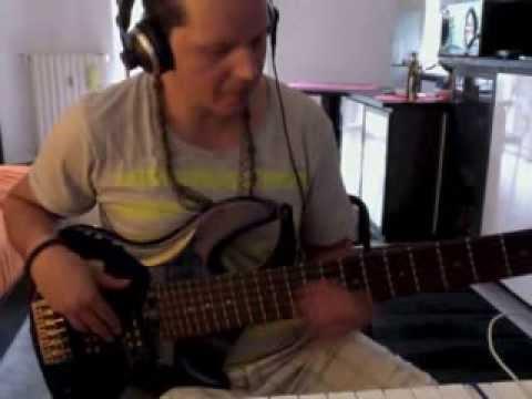 2Pac - It Ain't Easy bass cover Giorgio Nardi