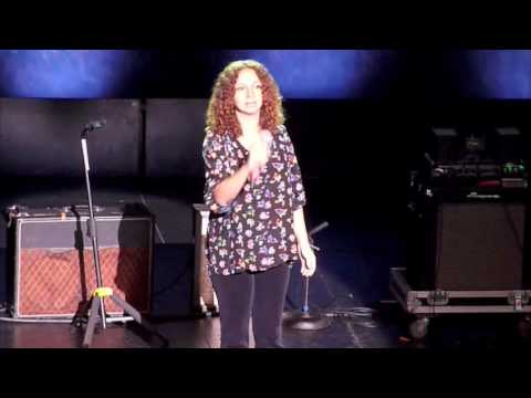 Maya Rudolph - The Star-Spangled Banner (Haiti Benefit Concert @ The Wiltern) HQ