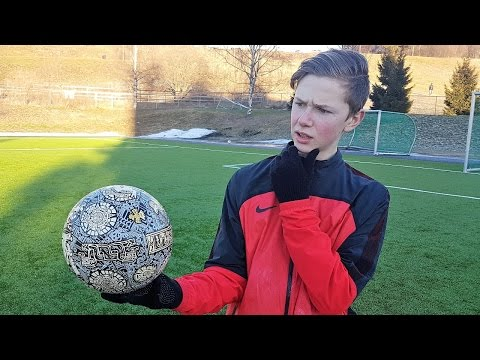 INSANE FOOTBALL FROM THE 15TH CENTURY - Aztec Soccer Ball Review