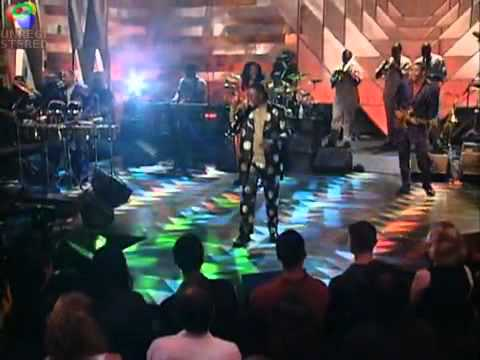 Fantasy - Earth, Wind and Fire (Live by Request).wmv