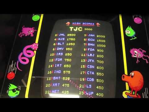 Q*bert arcade game review - Qbert Gottlieb 1982