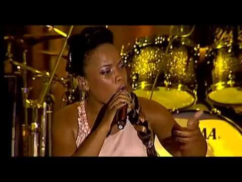 Yola Semedo_Show em Luanda Parte 1/5