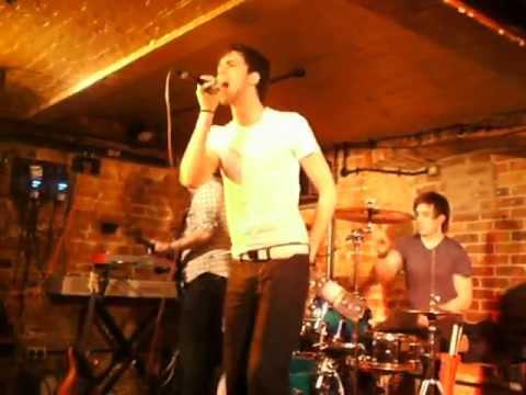 Majestix - Next to Me (Live @ The Cellar Bar, Bracknell)