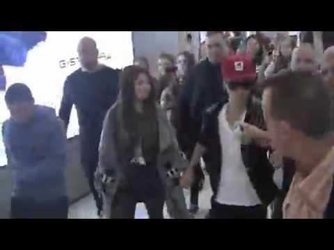 Selena Gomez y Justin Bieber en Sydney, Africa