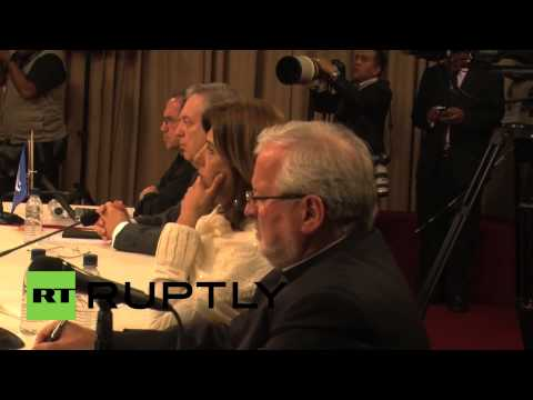 Venezuela: Maduro holds talks with opposition leaders