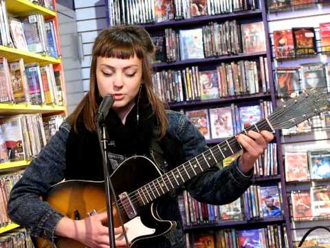 Angel Olsen - If Its Alive It Will