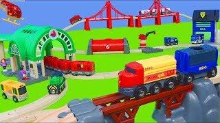 BRIO pociąg : strażak, policja, dźwig, koparka dla dzieci - drewniany pociąg Unboxing