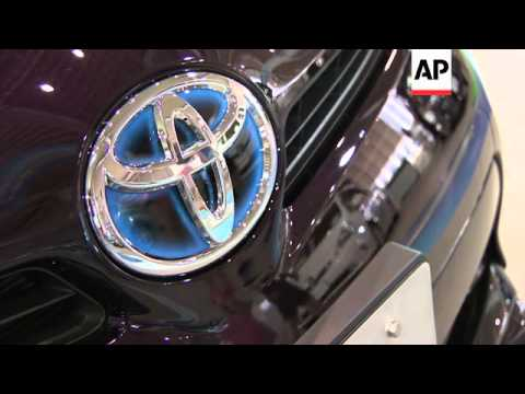 Toyota recalls 1.9M Prius cars because of software glitch