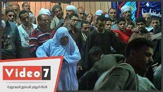 بالفيديو.. مسنة ترقص برفقة حفيدها بختام مولد الرفاعى وسط مشاركة الآلاف